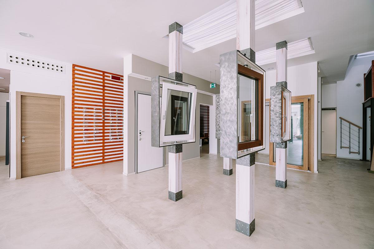 showroom Dorica Scalinfissi 11